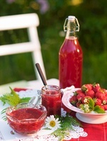 Fresh strawberry jam and fresh strawberry juice