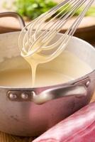 Hollandaise sauce 22199067363  写真素材・ストックフォト・画像・イラスト素材 アマナイメージズ