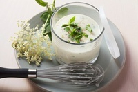 Yogurt dressing with elderberry