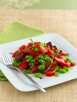Pepper salad with chorizo and beans