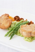 Veal sweetbreads with water cress risotto and asparagus