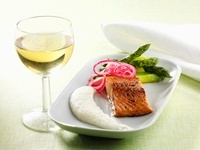 Salmon marinated in honey with Jerusalem artichoke puree and