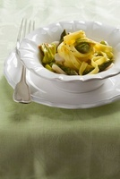 Tagliatelle con fiori di zucchini e capesante (tagliatelle w