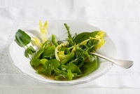 Insalata di spinaci alle erbe (sping spinach with herbs)