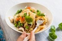 Spaghetti con sugo di seppie e piselli (pasta with squid and