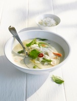 Coconut rice soup with Thai basil and chicken (Asian)