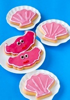 Shell-shaped cookies