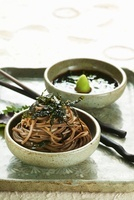 Soba noodles with radish-ginger sauce (Korea)