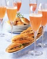 Aperitif glasses with rolls
