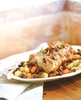 Roast veal with mushrooms and vegetables