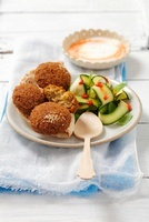 Falafel with courgette salad