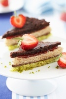 Cake sandwiches with strawberries