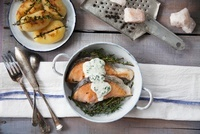 Fried salmon with sour cream sauce