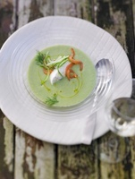 Cold cucumber soup with ricotta
