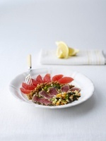 Arcobaleno (appetizer with tuna, grapefruit, figs and olives