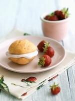 Strawberry Whoopie Pie with Fresh Strawberries
