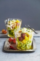 Salad with mango, grapes and turkey breast