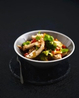 Chicken fillet with broccoli and leek