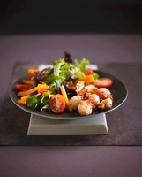 Salad with grilled scallops
