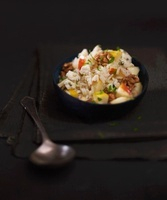 Rice salad with apples and nuts
