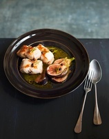 Rabbits with figs and rosemary