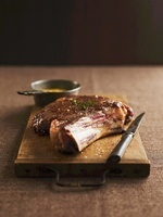 Beef cutlet with Bearnaise sauce and mustard