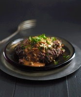 Ground beef with pepper sauce