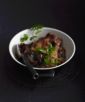 Stewed duck with onions and cilantro (China)