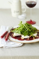 Beetroot salad with goat's cheese and rocket