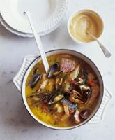 Bouillabaisse (Fish soup, France) 22199072894| 写真素材・ストックフォト・画像・イラスト素材|アマナイメージズ