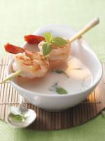 Thai soup with a prawn and lemongrass kebab 22199073105| 写真素材・ストックフォト・画像・イラスト素材|アマナイメージズ