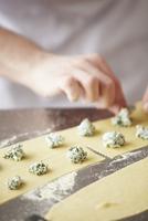 Making Tortelloni
