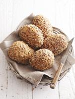 Wholemeal rolls in a bread basket 22199073769| 写真素材・ストックフォト・画像・イラスト素材|アマナイメージズ