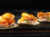 Salmon appetisers 22199074117| 写真素材・ストックフォト・画像・イラスト素材|アマナイメージズ