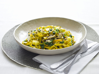 Tagliatelle with spinach