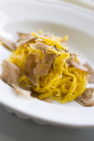 Tajarin al tartufo (egg noodles with white truffles, Italy)