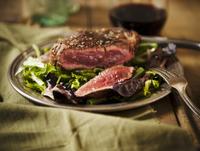Sliced Grass Fed Sirloin Steak on a Bed of Wine 22199075666| 写真素材・ストックフォト・画像・イラスト素材|アマナイメージズ