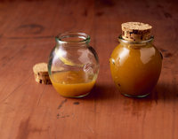 Mirabelle and vanilla preserve with cinnamon