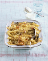 Pasta bake with cabbage