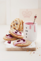 Christmas biscuits with cranberries (England)