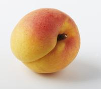 A apricot (close-up) 22199078273| 写真素材・ストックフォト・画像・イラスト素材|アマナイメージズ
