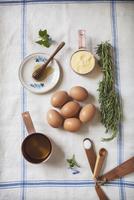 Ingredients for Making Rosemary Corn Cake 22199078613| 写真素材・ストックフォト・画像・イラスト素材|アマナイメージズ