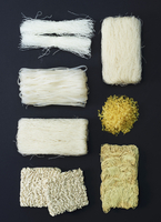 Assorted types of noodles from Asia 22199078713| 写真素材・ストックフォト・画像・イラスト素材|アマナイメージズ