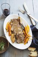 Pork fillet with cider and carrots 22199078759| 写真素材・ストックフォト・画像・イラスト素材|アマナイメージズ