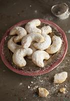 Kourabiedes (shortbread biscuits, Greece)