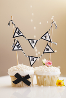 'Mr and Mrs' cupcakes for a wedding