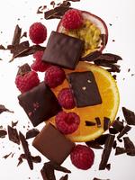 Chocolate and fruit 22199080245  写真素材・ストックフォト・画像・イラスト素材 アマナイメージズ
