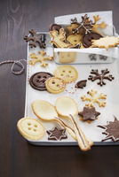 Biscuits and wafer spoons for Christmas 22199080322| 写真素材・ストックフォト・画像・イラスト素材|アマナイメージズ