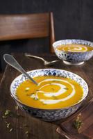 Squash soup with cream 22199080325| 写真素材・ストックフォト・画像・イラスト素材|アマナイメージズ