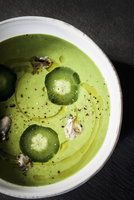 Green asparagus soup with oysters, cucumber and olive oil 22199080558| 写真素材・ストックフォト・画像・イラスト素材|アマナイメージズ